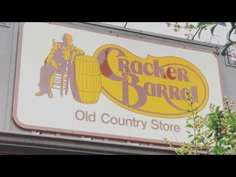 Workers Reveal What It's Really Like To Work At Cracker Barrel