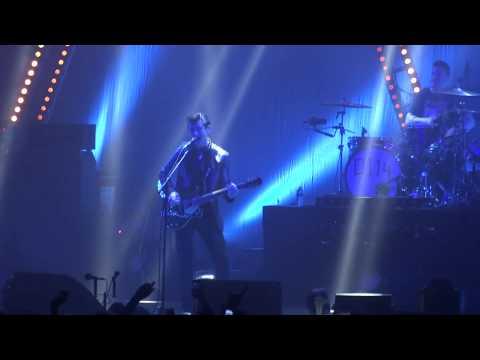 ARCTIC MONKEYS LIVE ZENITH PARIS 07.11.2013 - R U Mine?