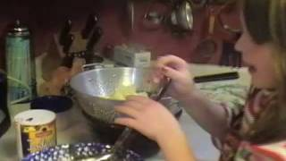 2 Kids Cooking Tv: Garlicky Mashed Potatoes