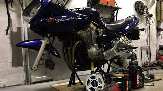 Dirbtuviu Kronikos - Suzuki Bnadit GSF600 - Pilnas aptarnavimas, nuo pradzios iki pabaigos.