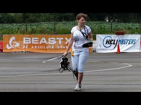 Girls United , Simone Zunterer & Nicole Buslowski , Music Flight , 3D Heli Masters Venlo 2014 *HD*