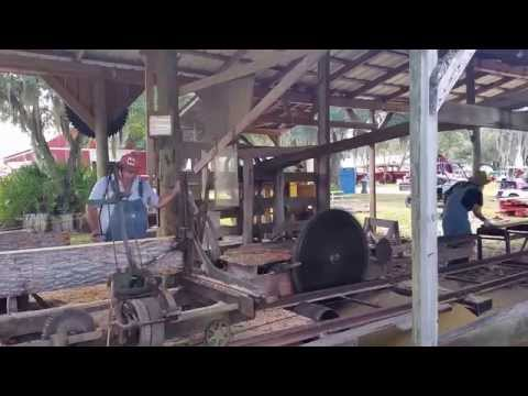 Early 1900's style sawmill @ Flywheeler Convention Nov 2014
