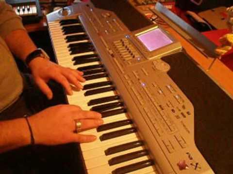 bouzouki practise with Korg Pa1x style -by Jimlefreak