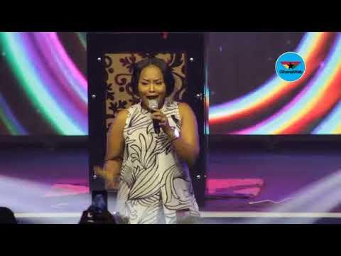 Nana Ama McBrown performs Lilwin's 'Ladder' at 'Stars In Worship 2017'