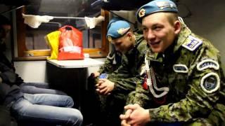 в ВДВ расхотелось идти служить.(Ехал вместе с дембелями 76-ой дивизии ВДВ в поезде Москва-Уфа., 2011-12-25T03:59:14.000Z)