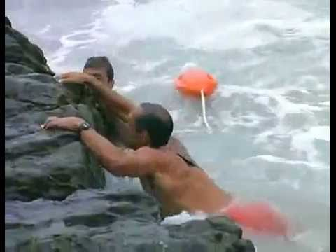 BAYWATCH S06E17 - Surfer drowns, Mitch saves a trapped submerged Newmie (DROWNING/CPR)