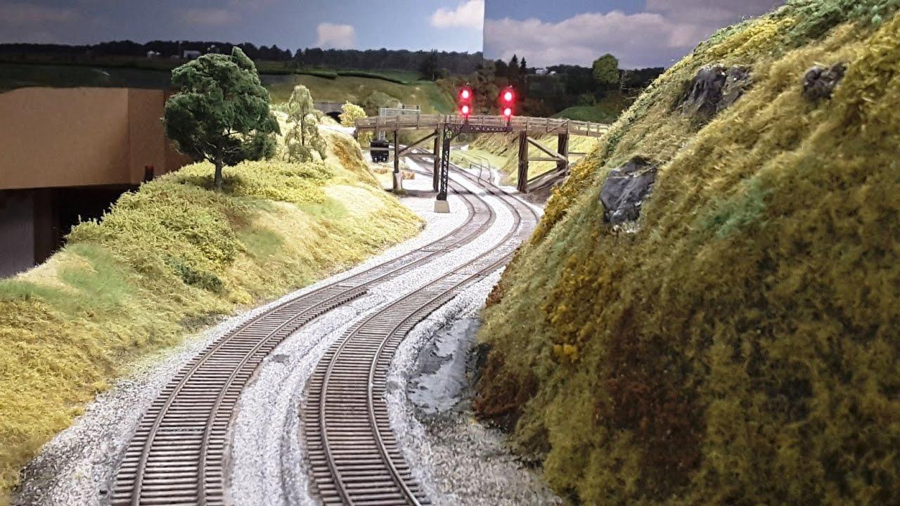 Model Railroad Update 71: More Scenery, Foam & Fascia!