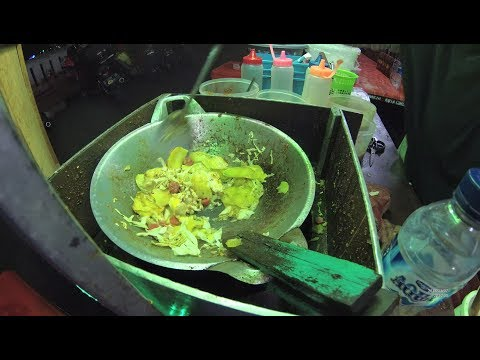 Indonesia Cirebon Street Food 2155 Part.2 Fried Noodles Seblak Mie Goreng YN010284