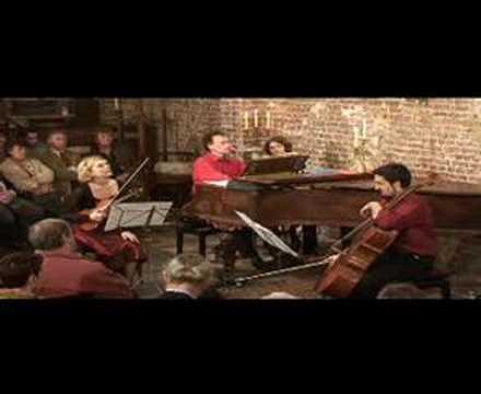 Annamarjanovic trio Chostakovich
