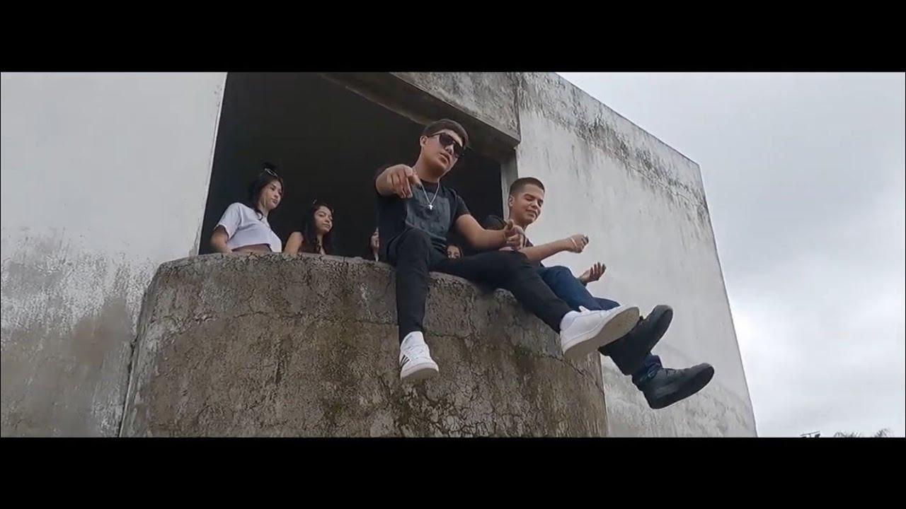Download El Barrio - Alexander Alvarez Ft. BoLoCo (Video Oficial)