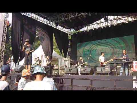 Monkey Boots - Indah Pada Waktunya live at Street Wear Tour 2014