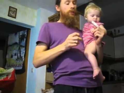 У ребенка на языке налет -