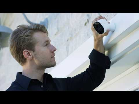 unboxing-the-arlo-ultra-4k-wire-free-security-camera