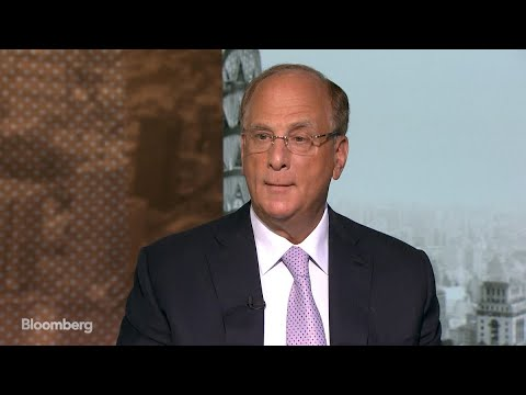BlackRock's Fink Says Clients Aren't Looking to Buy Cryptocurrency