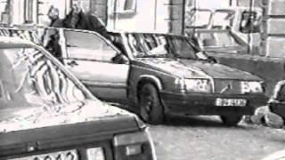 Видео наших партнёров. Студия КГБ. Азбука телохранителя. Ролик 37(Два телохранителя. Тактика пешего сопровождения. Высадка из автомобиля. Клип 1 Подробнее см. http://www.vipv.ru/Подг..., 2016-03-06T23:00:06.000Z)