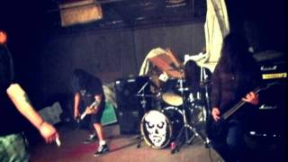 "Psychosomatic - ""Everybody Hates Me"" (feat. Nicki Sicki) Thrashcore Records"