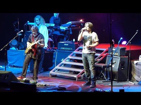 Carpet Crawlers -Steve Hackett (feat Ray Wilson) Genesis Revisited Live At Royal Albert Hall HD1080p