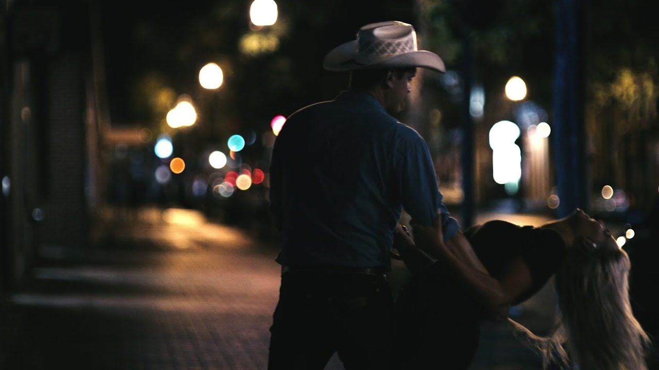 Jon Pardi puts on his dancing shoes for new video