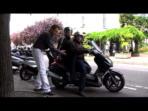 comment transporter un passager sur une moto youtube. Black Bedroom Furniture Sets. Home Design Ideas