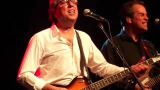 10CC opens show @ Ottawa Bluesfest--Wall Street Shuffle--Live 2012-07-14