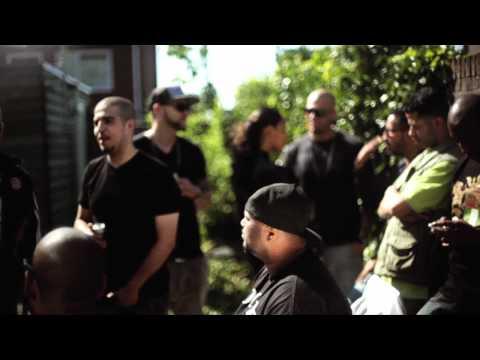 U-niq feat. Eddy Ra & The Opposites - Moeder is een Elf