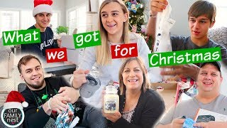 CHRISTMAS MORNING 2017 - OPENING PRESENTS!!