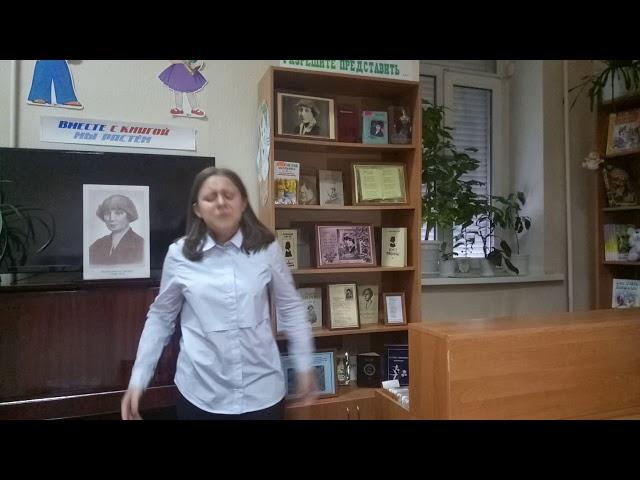 Изображение предпросмотра прочтения – ИяВековцева читает произведение «Когда мне плохо - думаю о Вас» М.И.Цветаевой