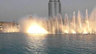 Dubai - Burj Khalifa et les jeux d'eau