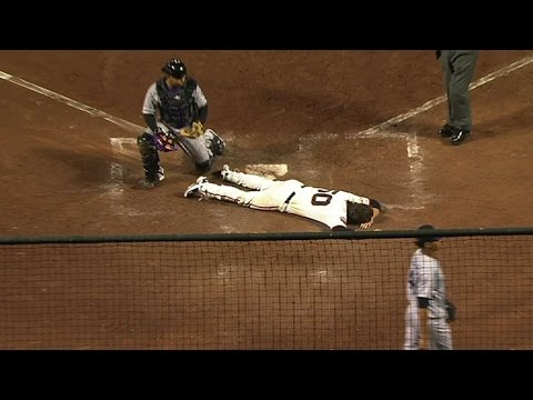 Gillaspie's first homer is inside-the-park