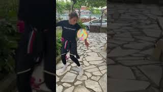 #short Puse a prueba la pelota holografica. Pelota reflejante