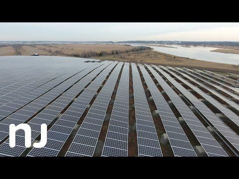 Solar panels turn unusable New Jersey landfill into green energy