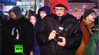 Митинг на Чистых Прудах 5 декабря 2011 года(Твиттер: http://www.twitter.com/RT_russian Разрешенный митинг оппозиции в центре Москвы завершился несанкционированным..., 2011-12-05T19:05:31.000Z)