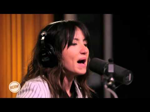 KT Tunstall - Secondhand News (Live at KCRW)