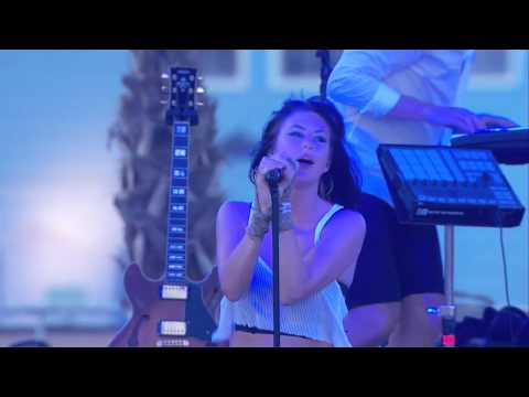 Phantogram - Black Out Days (Live at Hangout Fest 2015)