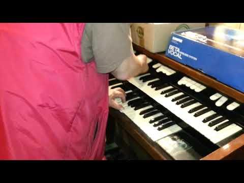 Hammond B 100 Cream music Frankfurt