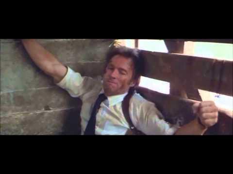 L'uomo nel mirino Clint Eastwood  scena treno