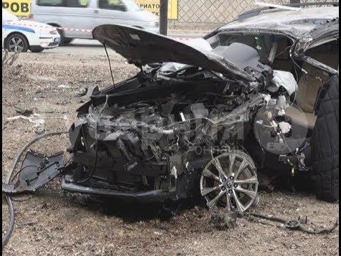 Молодой хабаровчанина за рулем «Тойоты» погиб во время столкновения с деревом. Mestoprotv