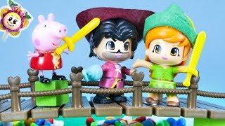 PEPPA PIG Y EL CUENTO DE PETER PAN! Pepa y miles de juguetes Pinypon contra Capitan y las piratas