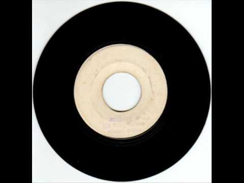 Louie Lepkie* Loui-Lepki·/ Round 2 Band - Argentina Surender/ G. B. Distroyer
