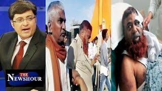 Hindutva Group Beats Muslim Cop In Latur  : The Newshour Debate (23rd Feb 2016)