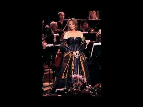 Renée Fleming sings a superb Knoxville: Summer of 1915 RARE LIVE (1993)