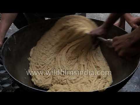 Sohan Halwa being made in Ajmer, Rajasthan