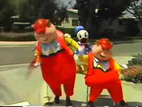 Tweedle Dee Tweedle Dum Disneyland