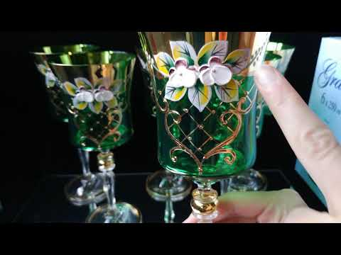 Www.Xrustalik.ru - бокалы для вина из богемского стекла с золотом и лепкой смальтой!
