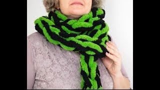 HOW TO HAND KNIT A CHAIN SCARF FOR ST.PATRICK`S DAY