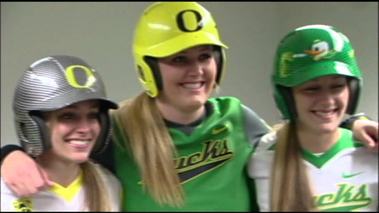 online store 01b57 033d5 Oregon Reveals New Softball Uniforms