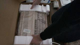 Unboxing |Commodore Amiga 500 | RMC Archive