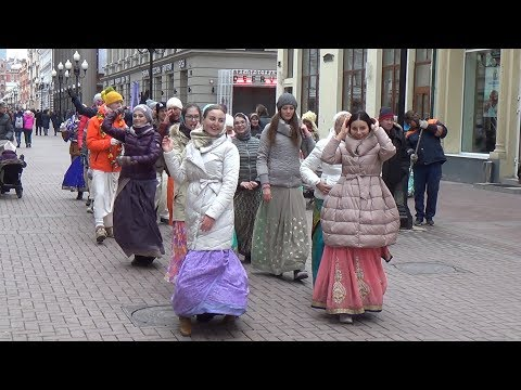 2018 03 31 Харинама на Арбате. Harinama in Moscow, Arbat st.
