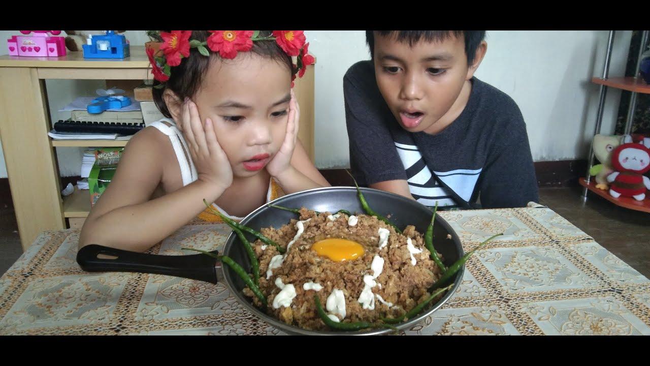 Download Pinoy Mukbang with Karl and Athena Episode 4 - Sardinas SISIG