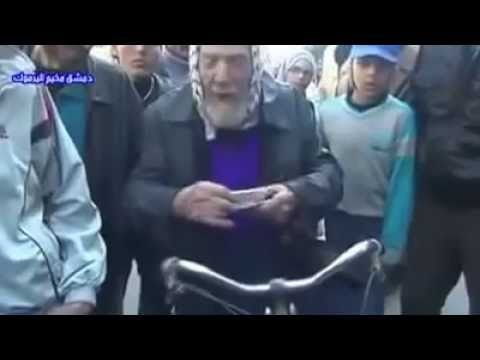 Yarmouk refugee camp: Arab '48 refugee reduced to tears, cries 'Take me to the Jews (Israelis)'...